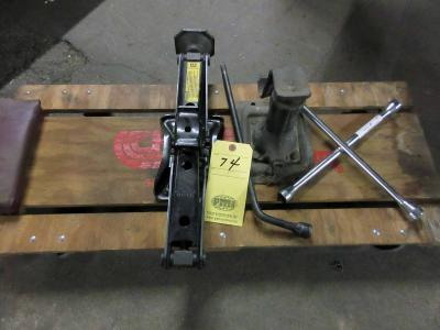 LOT CONSISTING OF: auto roller cart, scissor jack, jack, lug wrenches