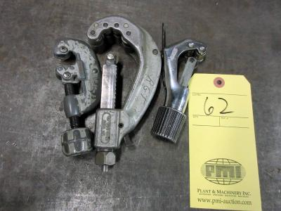 LOT OF COPPER TUBING CUTTERS