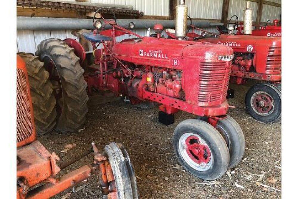 INTERNATIONAL FARMALL H Tractor, Narrow Front, PTO