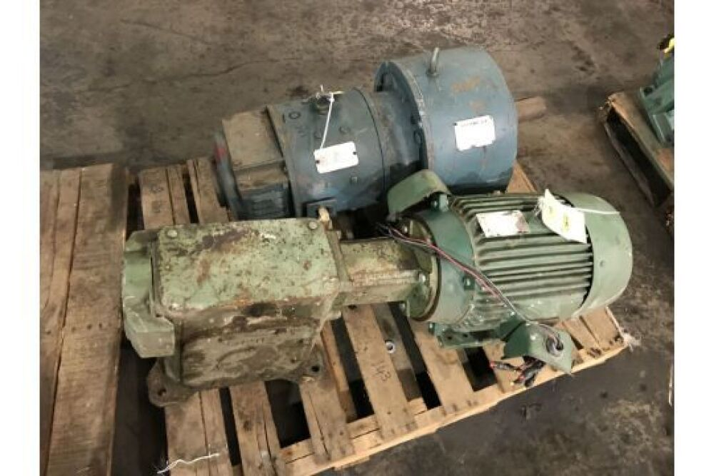 2) Electric Motors and (1) Gearbox: Reliance Super T Motor